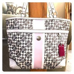 💕Coach gray white leather medium satchel so cute